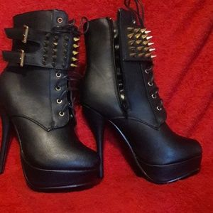Wild Diva Shoes - Boots